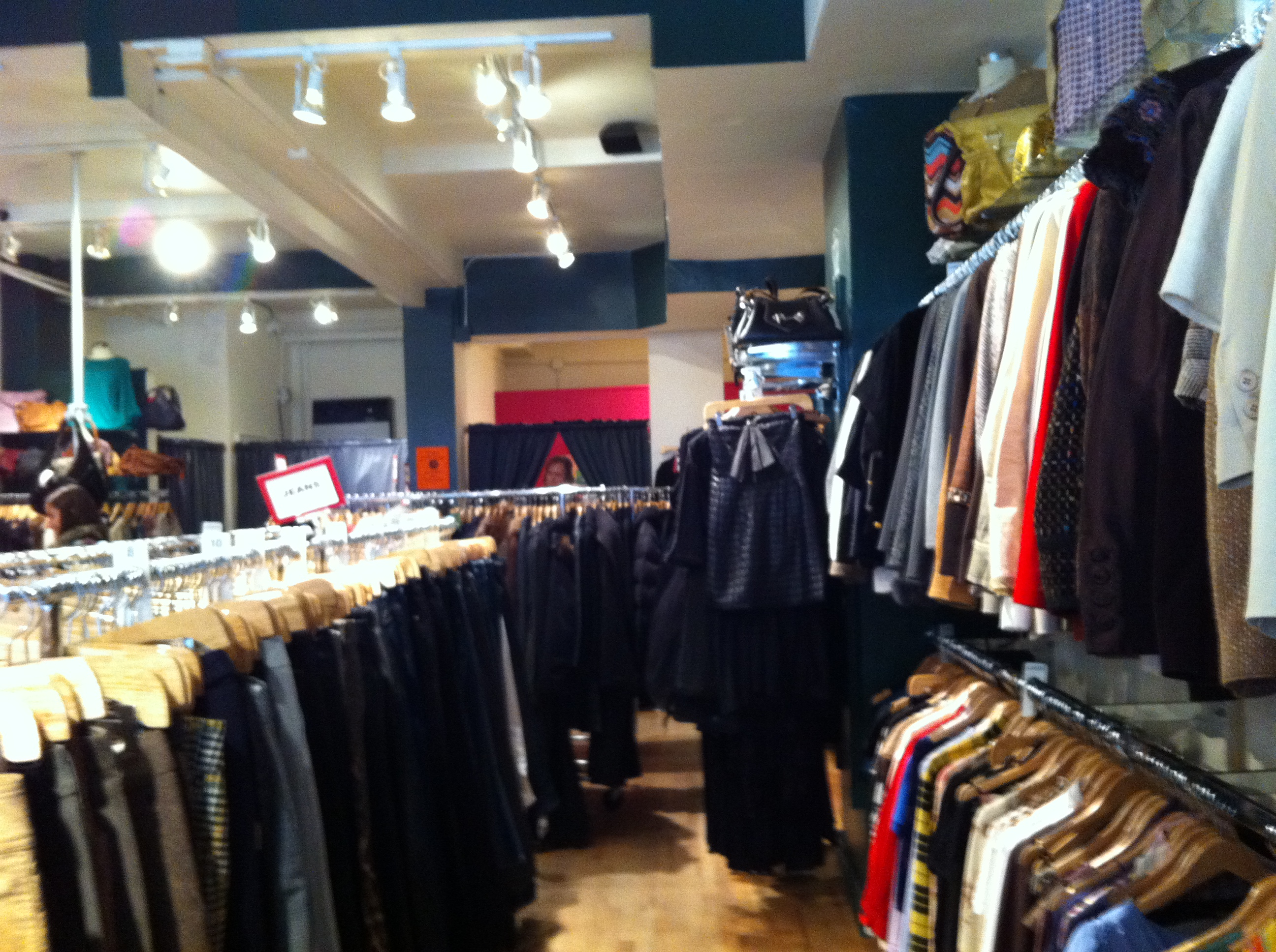 Tienda vintage Second Time Around en Nueva York