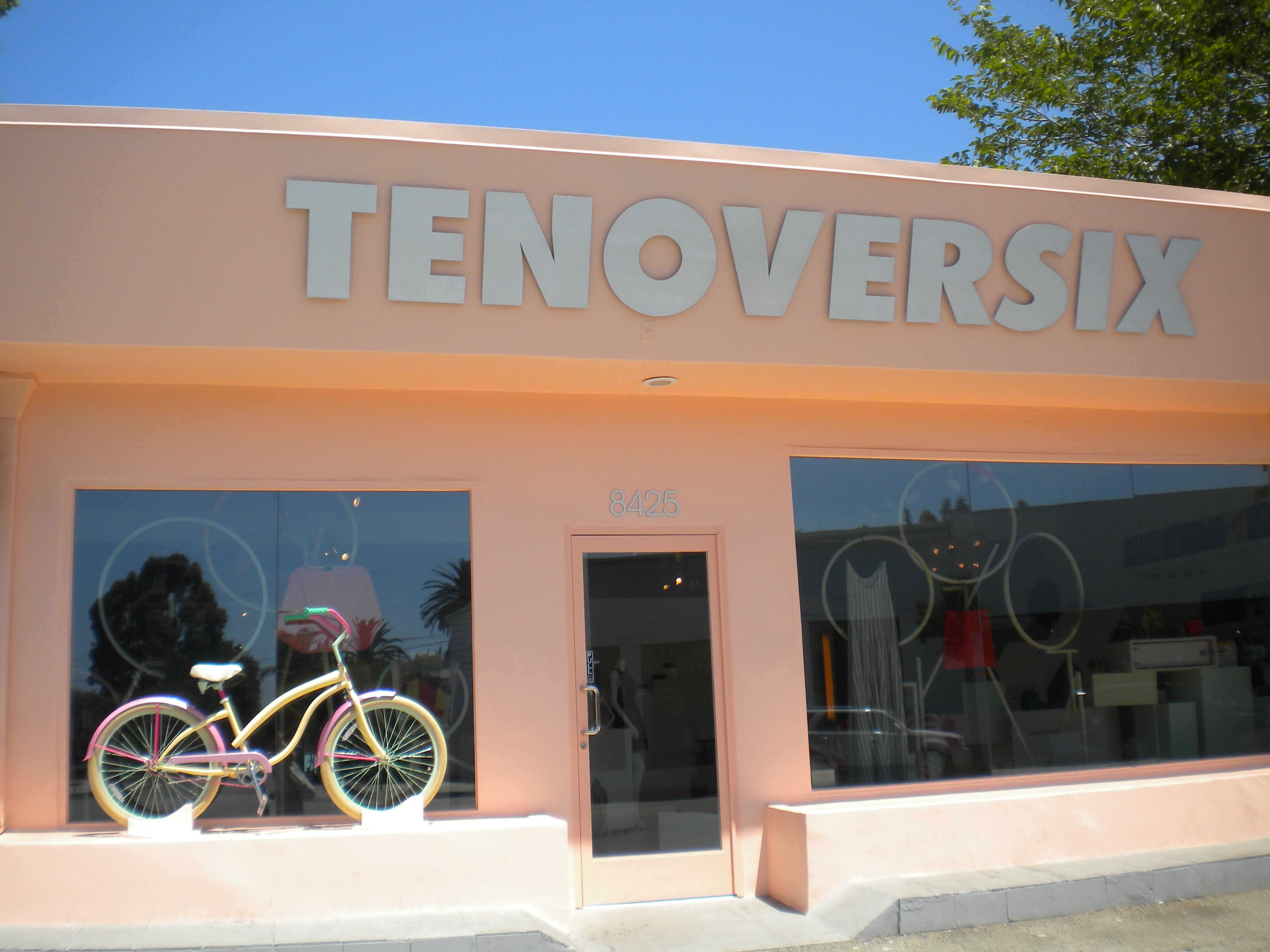 Tenoversix en Melrose Ave. Los Angeles