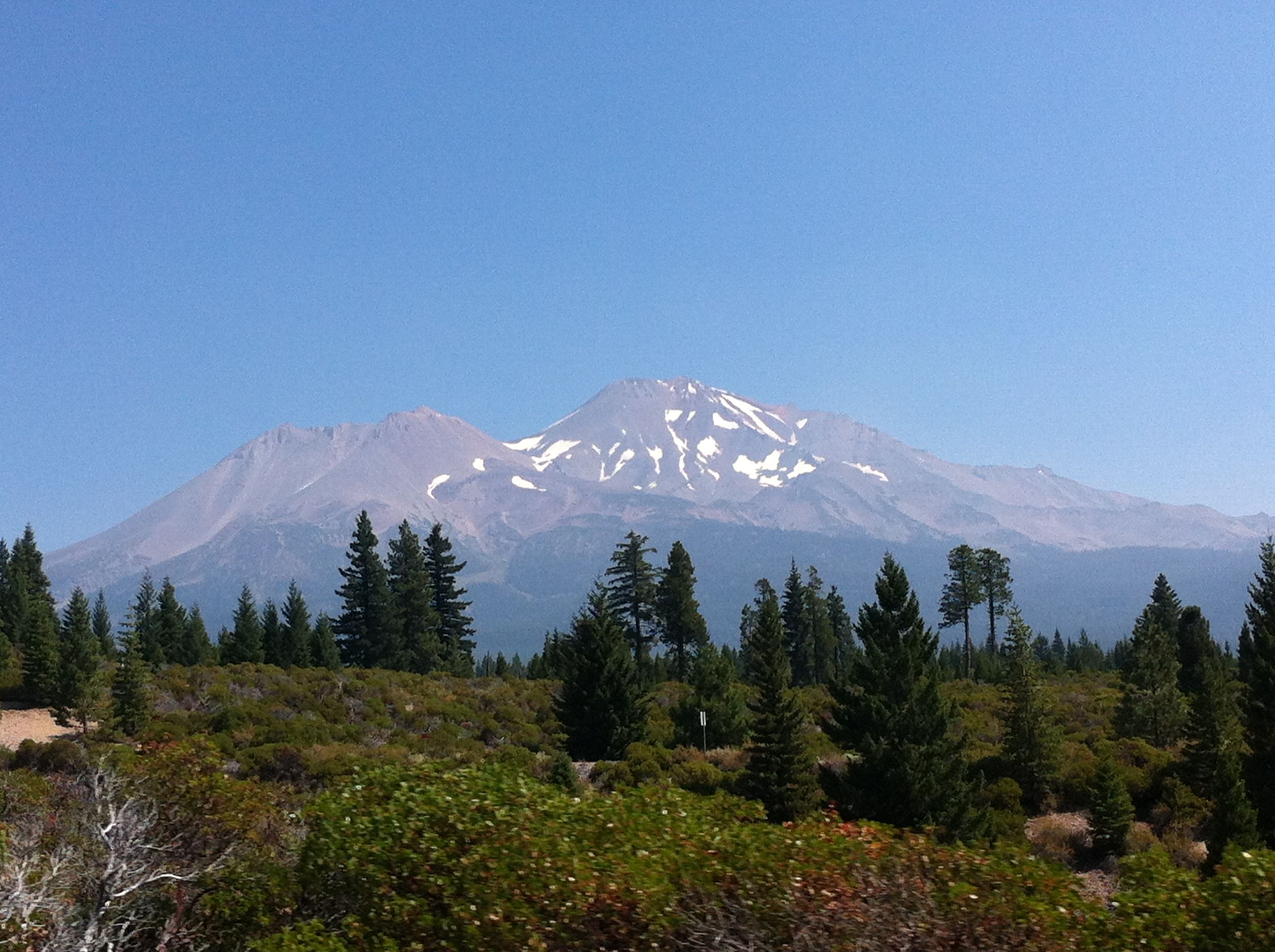 Vistas del Mount Shasta. California