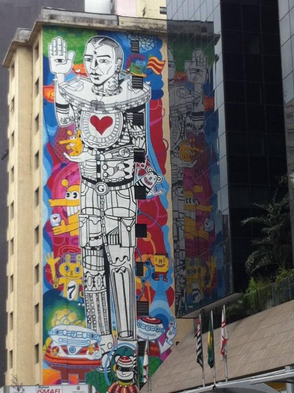 Graffitis en la Avenida Paulista en Sao Paulo