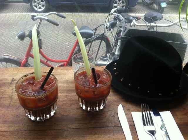 Brunch con Bloody Mary en G's. Barrio Jordaan en Amsterdam
