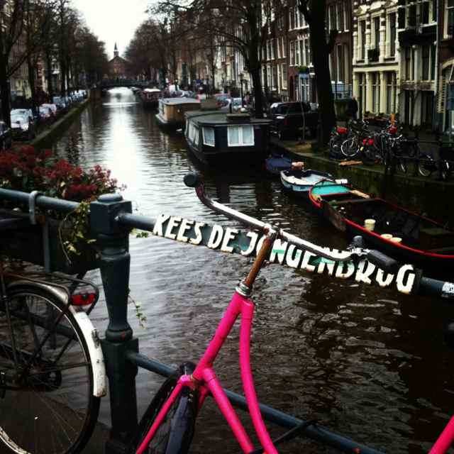 Uno de los mejores barrios para hacer shopping si llegas a Amsterdam sin lugar a dudas es el Barrio Jordaan.