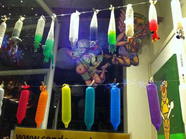Tienda de preservativos en la calle Nes. Amsterdam